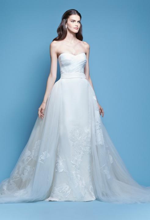 Carolina Herrera's wedding dresses II. - Master of Ceremony recommends for U