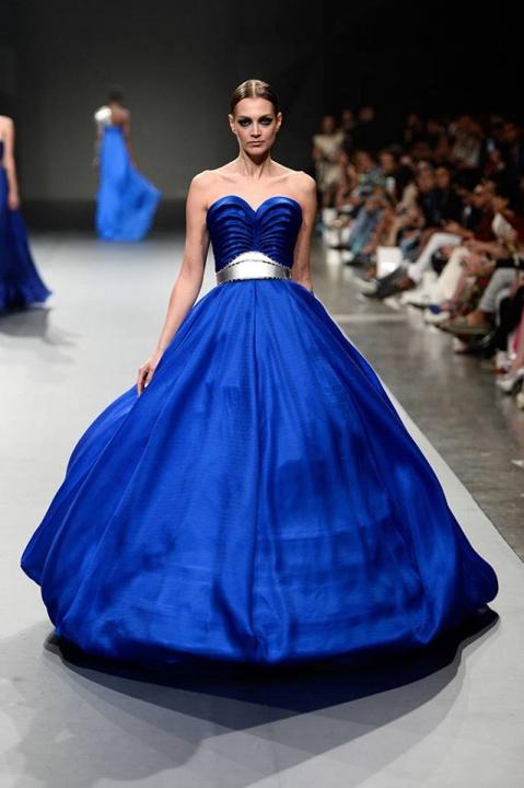 EZRA COUTURE - bátor színek az esküvői ruhák világában  - Ceremóniamester ajánlja