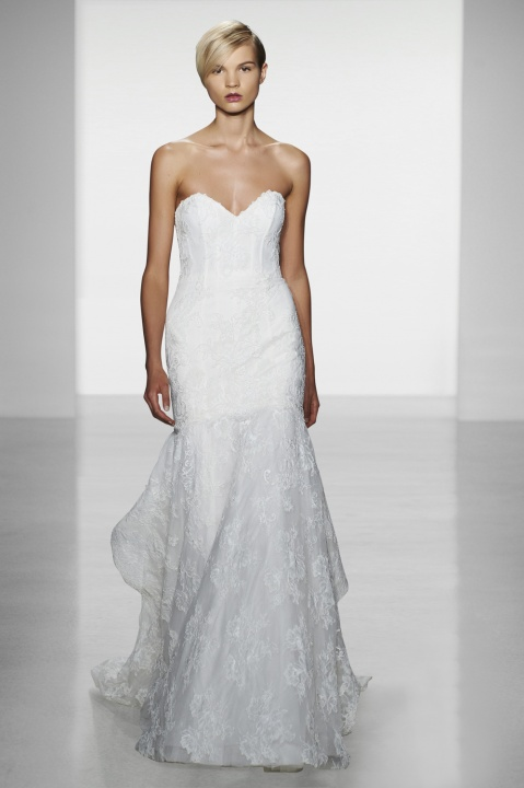 Kenneth Pool amerikai esküvői ruhaköltemények - ceremóniamester ajánlja