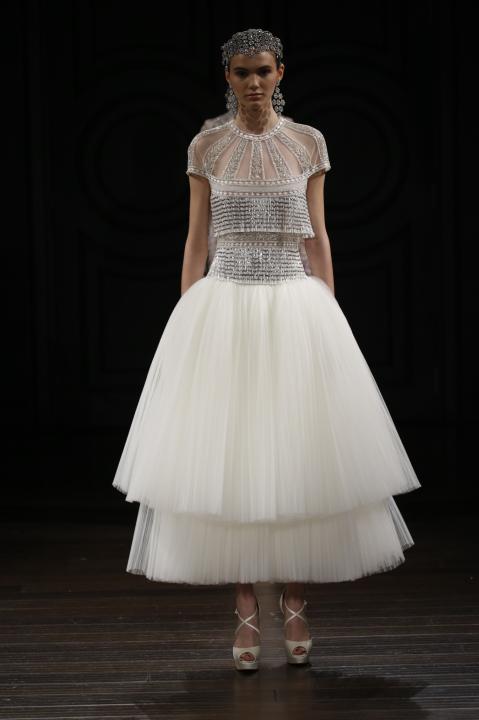 Merész színek a 2017-es tavaszi esküvői ruha kollekciókban - Ceremóniamester ajánlja