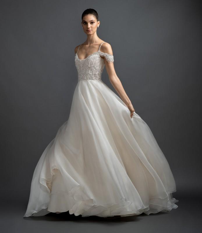 Csodaruhák esküvőre III. rész - Ceremóniamester ajánlja