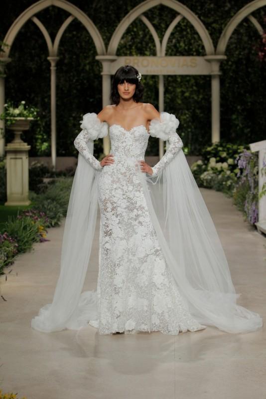 Már a Pronovias is a merészebb vágyakat is kiszolgálja esküvői ruhák terén I rész - Ceremóniamester ajánlja