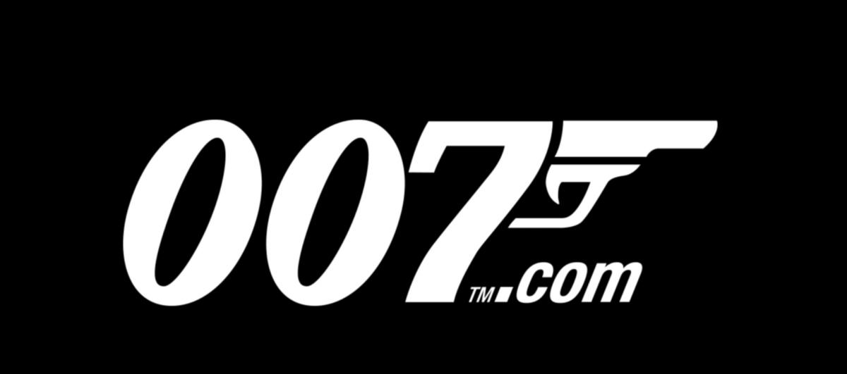 James Bond - a 25. a sorban -Ceremóniamester ajánlja