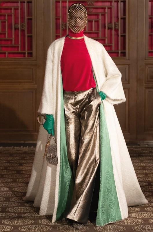 Divatbemutatókról ollózva 17 - Valentino -Ceremóniamester ajánlja