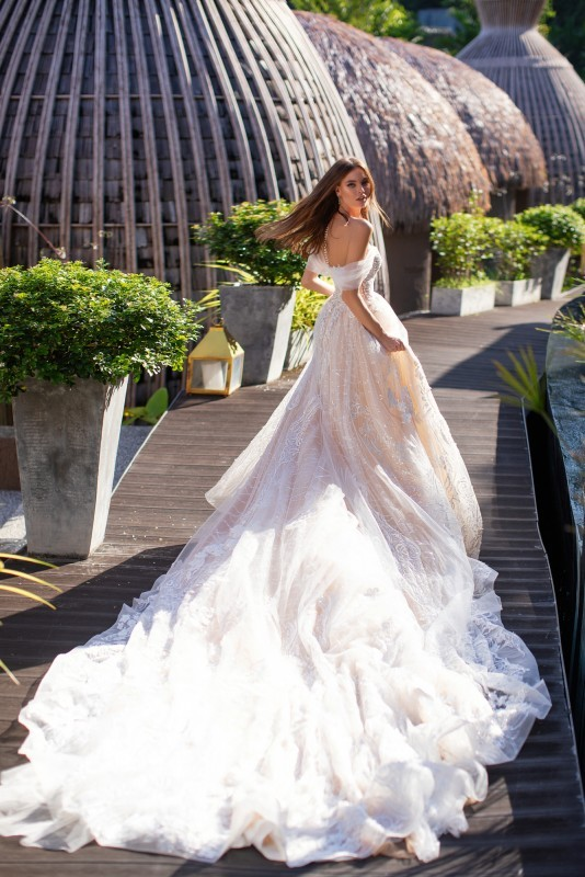 The most beautiful wedding dresses 15- Master of Ceremonies recommends for You