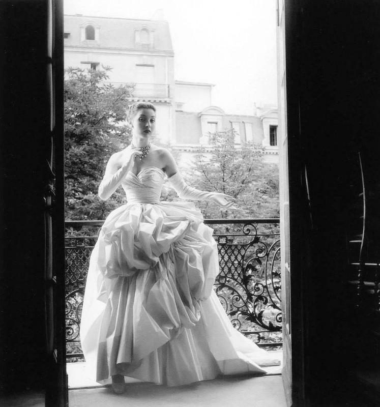 Visszatekintő - Christian Dior divat 1940-1960 évekből - Ceremóniamester ajánlja