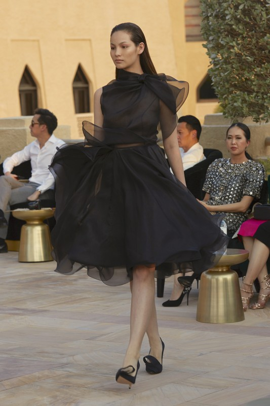 Divatbemutatókról ollózva 28 -Ceremóniamester ajánlja