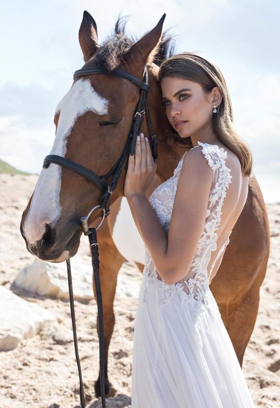Legújabb álom esküvői ruhák, trendek  224 - Ceremóniamester ajánlja