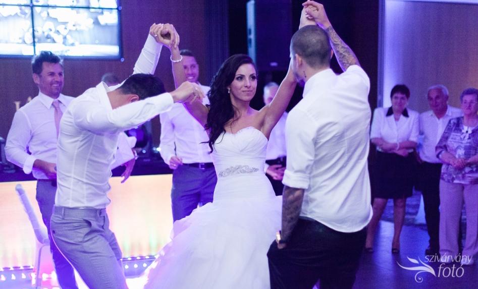 Nők Lapja Café : Esküvő hétköznap? Jöhet! - egy cikk Szablya Ákos ceremóniamesterrel (is)