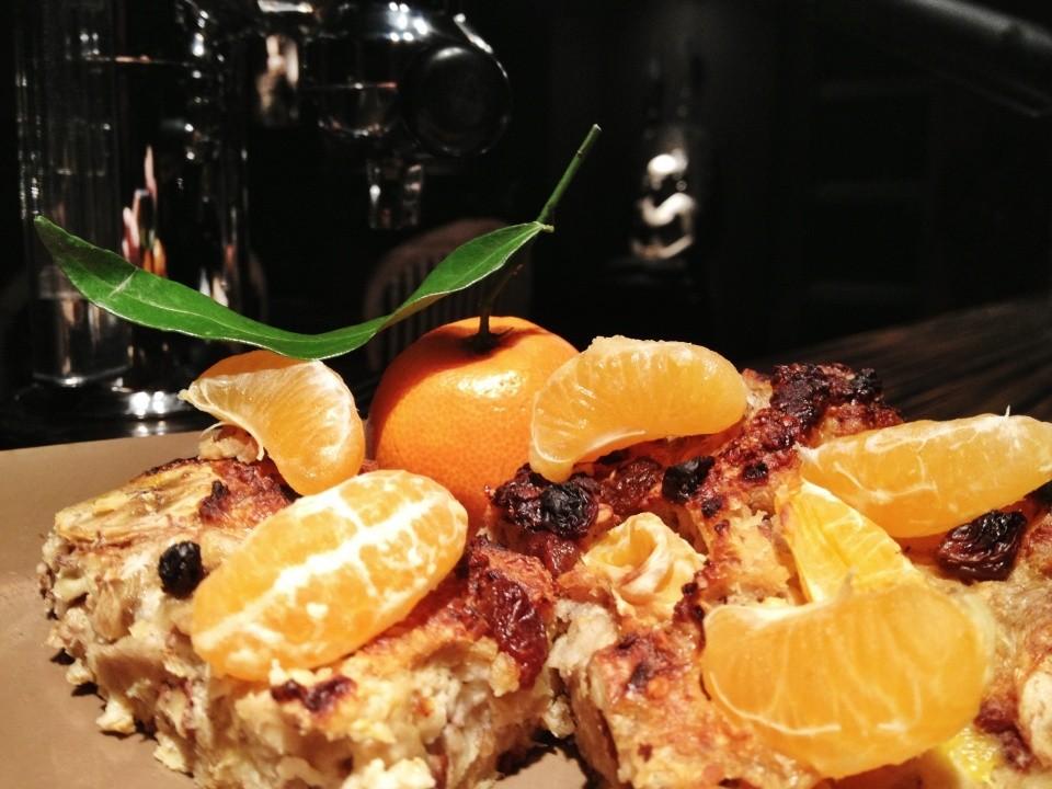 Téliesített 'nagyi kedvenc' meggyes pitéje - diétázóknak, gyúrósaknak és gourmandoknak - a ceremóniamester saját receptje