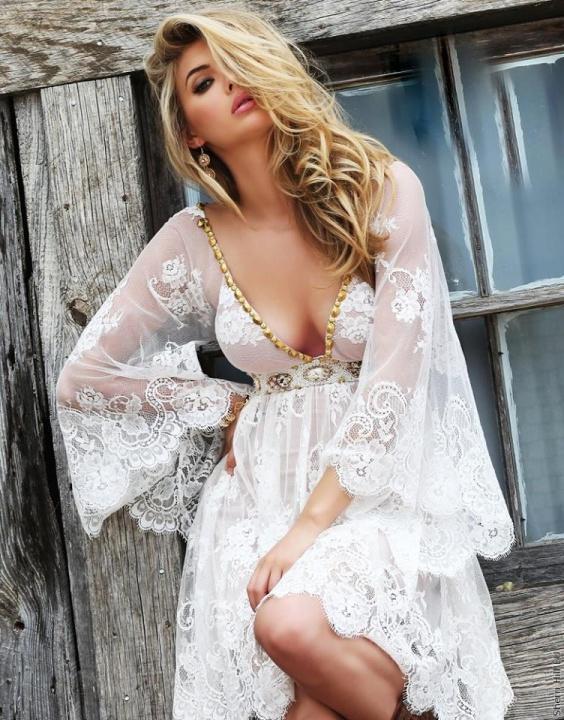 Újabb csokor csodás nem csak esküvői ruha - Ceremóniamester ajánlja