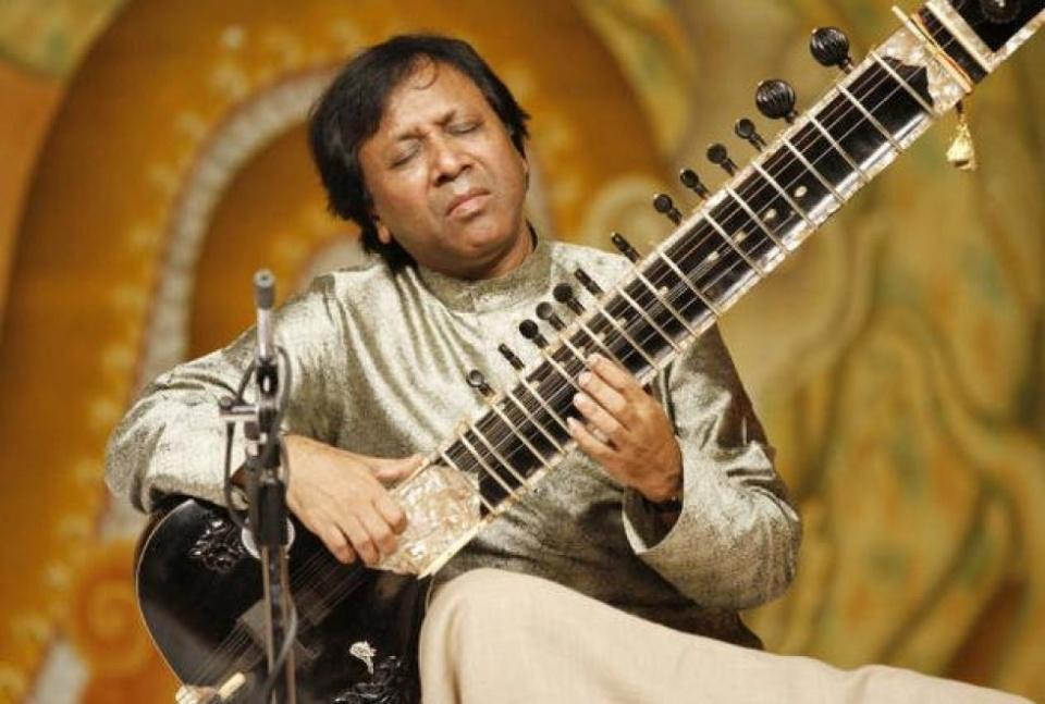 Shahid Parvez és Nihar Mehta - Az Indiai Klasszikus Zene Mesterei - Ceremóniamester ajánlja