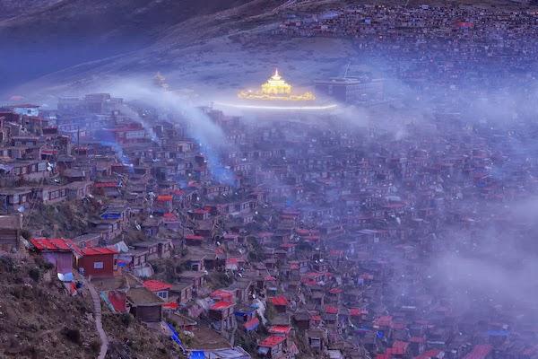 Újabb sok ezer, buddhista és világi épület ledózeroltatása Tibetben - Ceremóniamester ajánlja