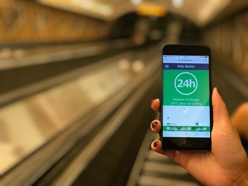 Tudtad, hogy iPhone-nal is vehetsz jegyet a BKK-n, Budapesten  - Ceremóniamester ajánlja