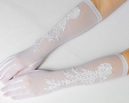 Esküvői ruhakellékek - az esküvői kesztyű  - Ceremoniamester ajánlja